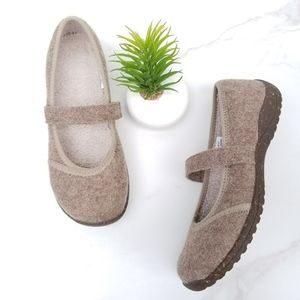 LL Bean Mary Jane Taupe Wool Lined Flats Slippers